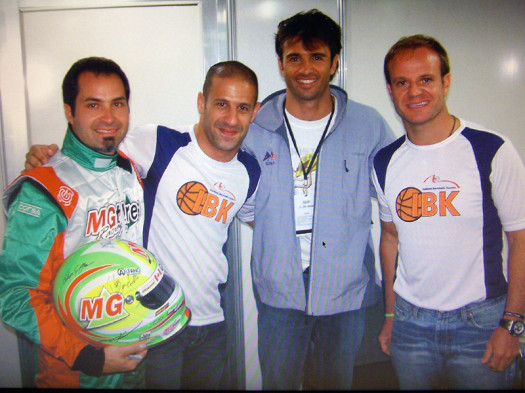 Lyons with Tony Kanaan, Christian Fittipaldi and Rubens Barrichello at the Granja Viana 500 in 2010.